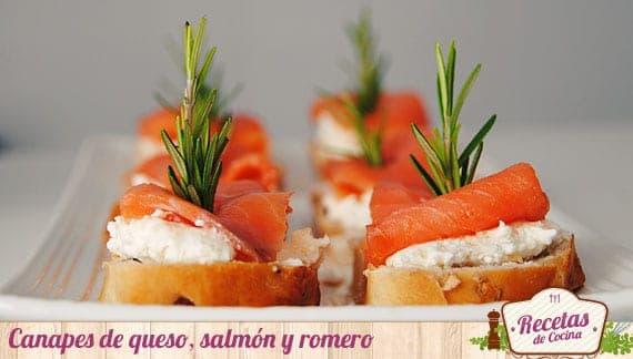 Canapés de queso, salmón ahumado y romero