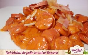 Salchichas de pollo en salsa Baviera