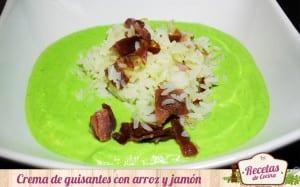 Crema de guisantes con arroz y jamón