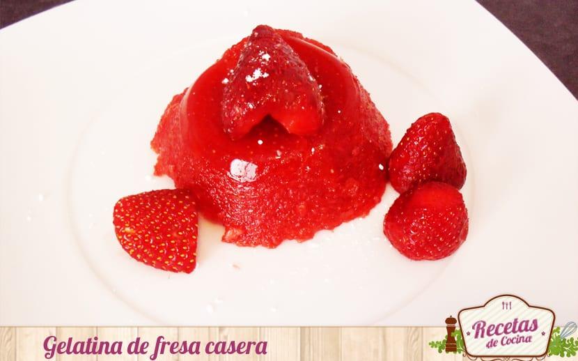 Gelatina de fresa casera