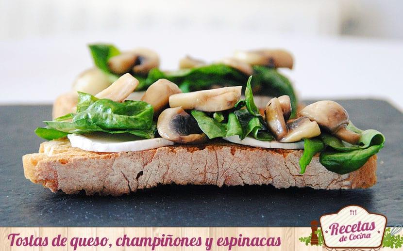Tostas de rulo de cabra, champiñones y espinacas