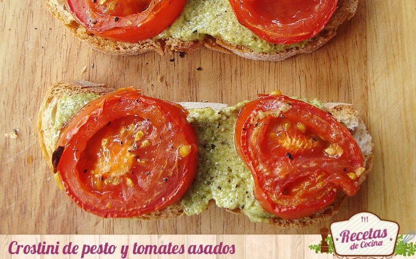 Crostini de pesto y tomates asados