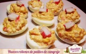 Huevos rellenos de palitos de pescado