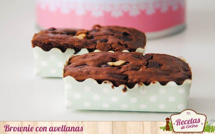 Brownie con avellanas, una tentación de chocolate