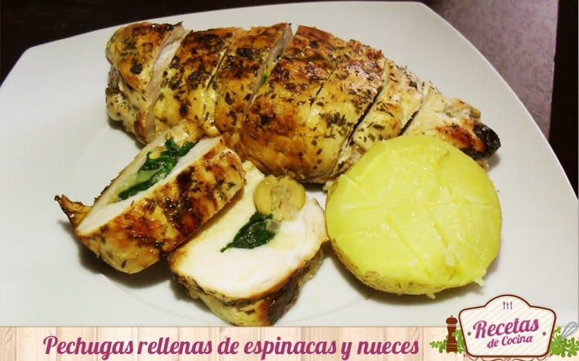 Pechugas de pollo rellenas de espinacas y nueces