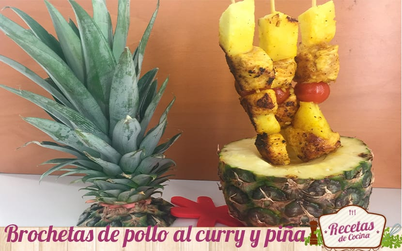 brochetas de pollo al curry y piña