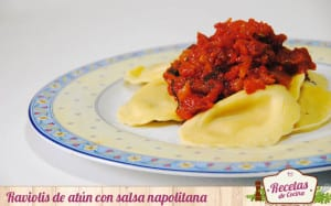 Raviolis de atún con salsa napolitana