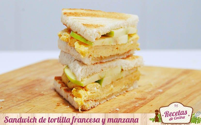 Sandwich de tortilla francesa y manzana