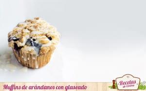 Muffins de arándanos con glaseado