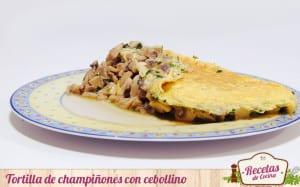 Tortilla de champiñones con cebollino