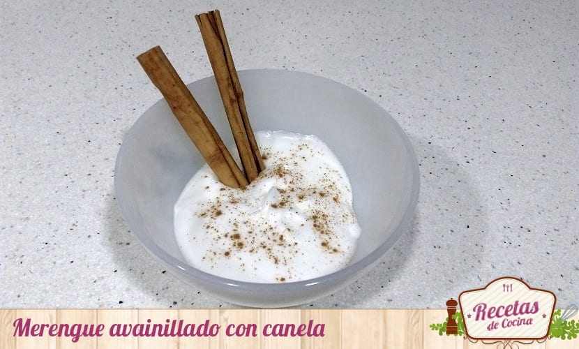 Merengue avainillado con canela