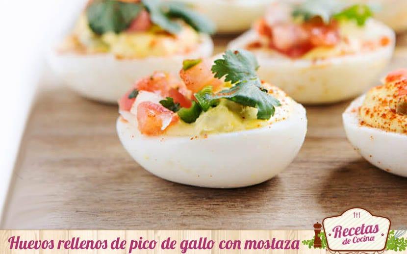 Huevos rellenos de pico de gallo con mostaza