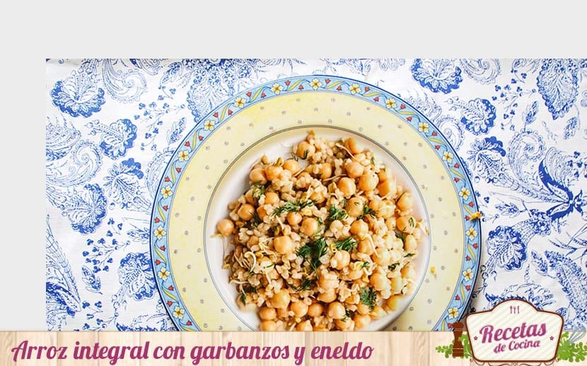Arroz integral con garbanzos y eneldo