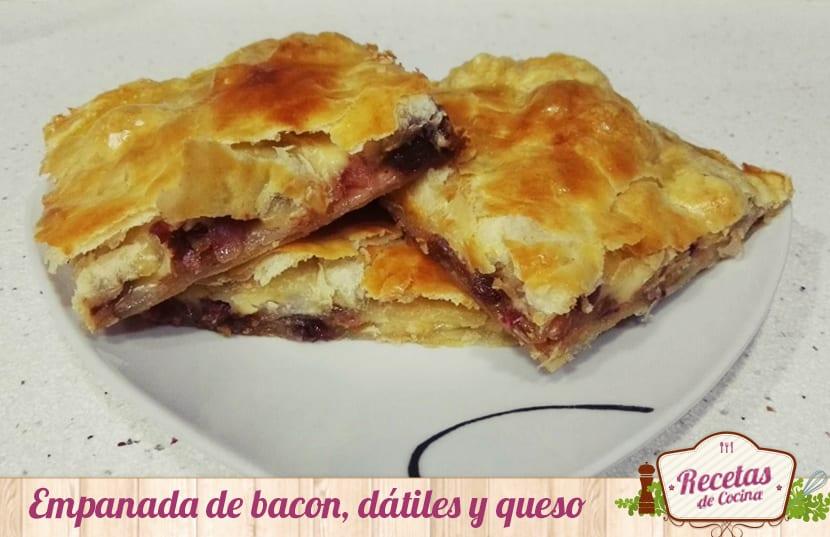 Empanada de bacon, dátiles y queso