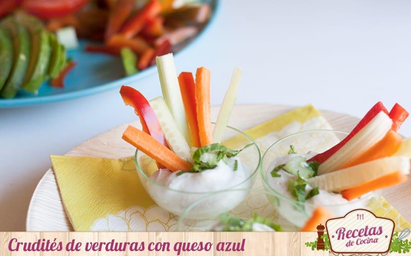 Crudités con salsa de queso azul