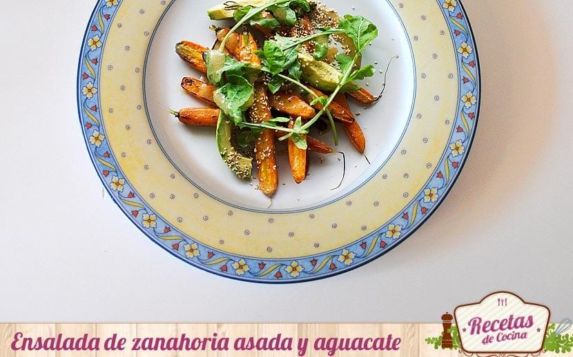 Ensalada de zanahoria asada y aguacate