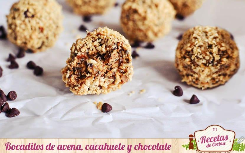 Bocaditos de avena, cacahuete y chocolate