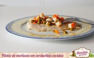 Filetes de merluza con verduritas cocidas