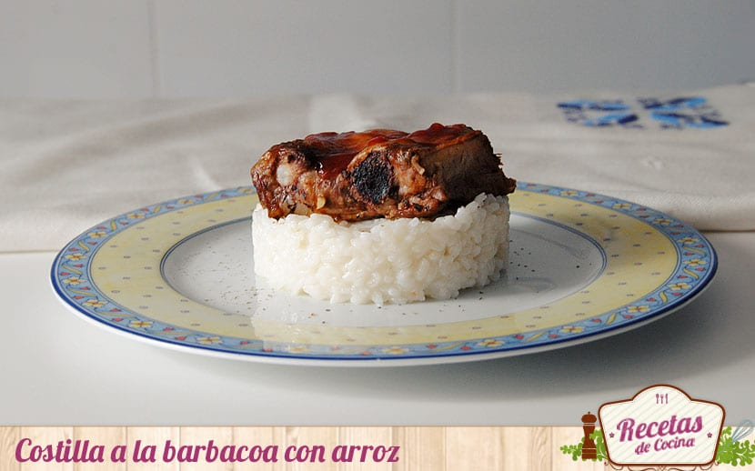 Costilla a la barbacoa con arroz