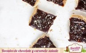Bocados de chocolate y caramelo salado