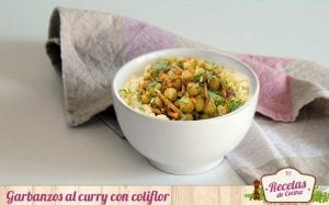 Garbanzos al curry con coliflor