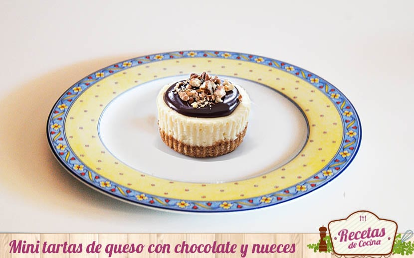 Mini tartas de queso con chocolate y nueces