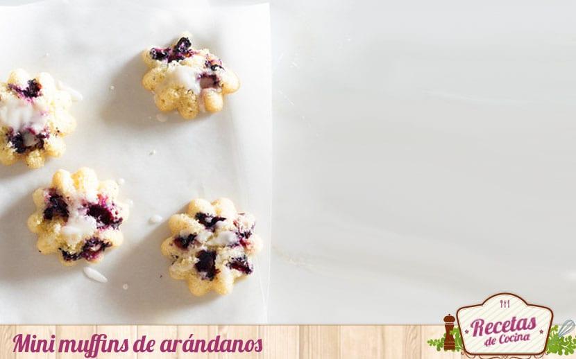 Mini muffins de arándanos
