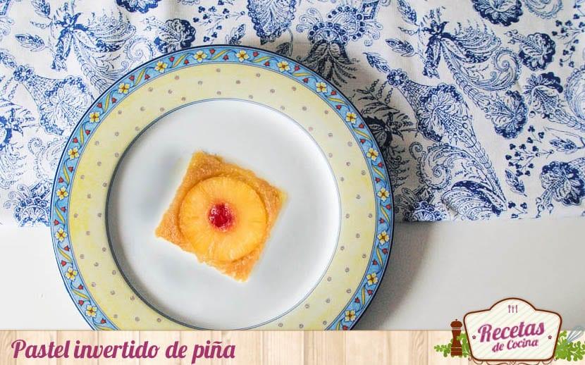 Pastel invertido de piña