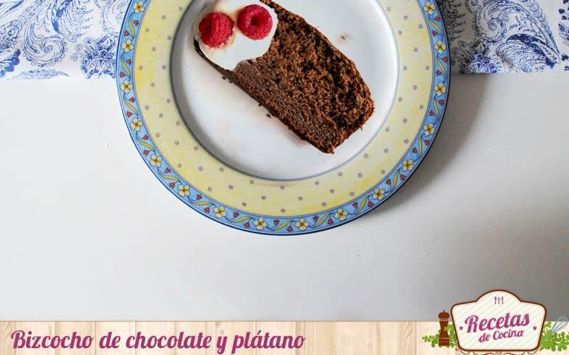 Bizcocho de chocolate y plátano
