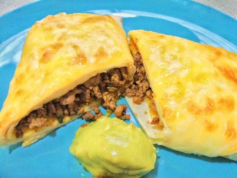 Enchiladas de carne y guacamole