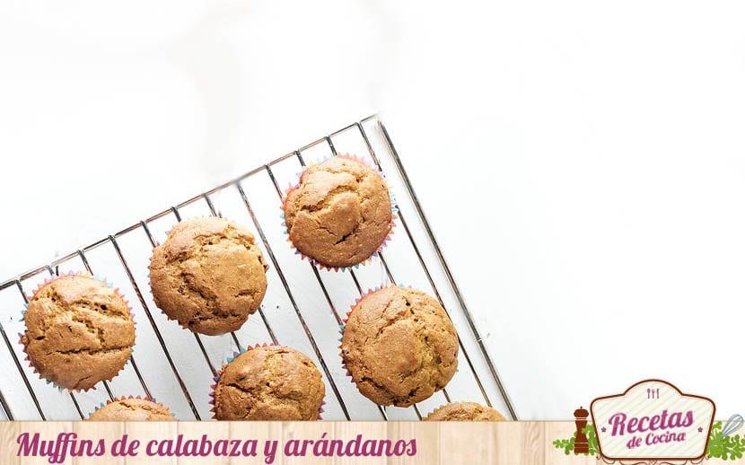Muffins de calabaza y arándanos