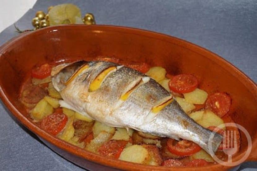 Dorada al horno, un plato de pescado sencillo y fácil de hacer