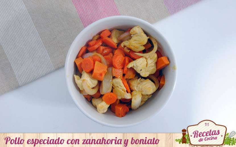 Pollo especiado con zanahoria y boniato