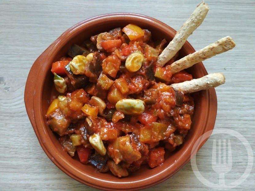 Pisto de verduras con habas