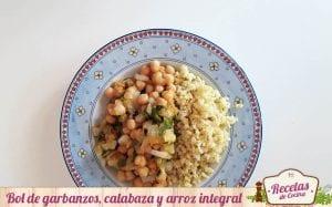 Bol de garbanzos, calabaza y arroz integral