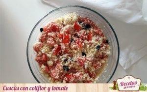 Cuscús con coliflor y tomate