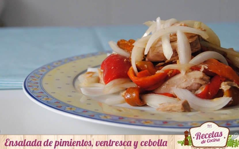 Ensalada de pimientos asados, ventresca y cebolla
