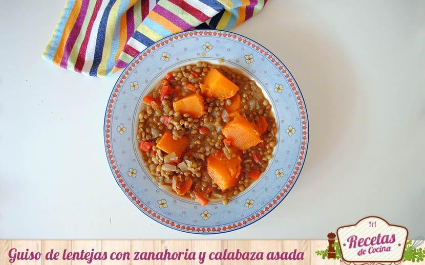 Guiso de lentejas con zanahoria y calabaza asada