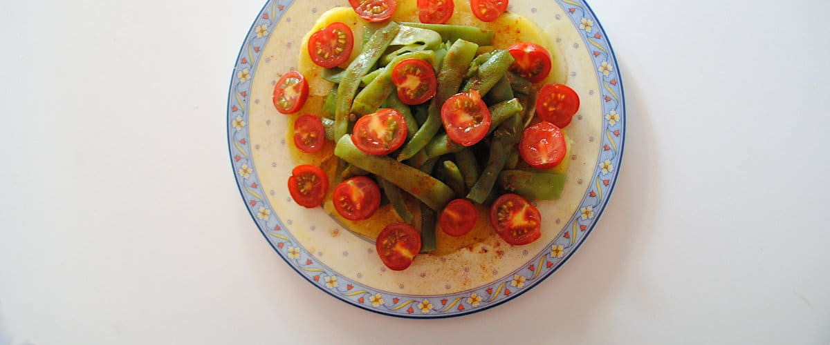 Judías verdes con patatas y tomates cherry