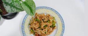 Bocados mediterráneos con sofrito de cebolla y pimiento picante