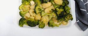 Brocoli con patatas al horno